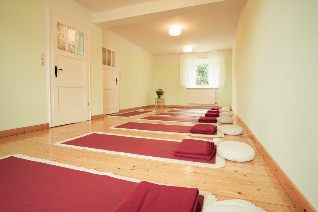 Yoga-Achtsamkeit-Bonn | MBSR- und Yoga-Matten