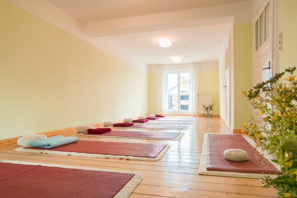 Yoga-Achtsamkeit-Bonn | Blick Richtung Garten